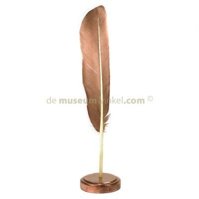 Feather swan on pedestal 1 (copper-colored)